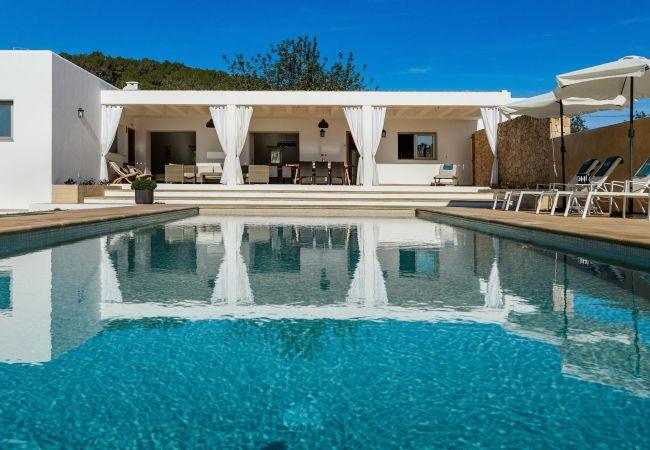 Villa a Santa Gertrudis - VILLA VINYES, CAN