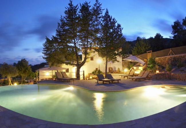 Villa in San Carlos/ Sant Carles de Peralta - VICH, CAN