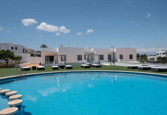 Residence in Sant Josep de Sa Talaia / San Jose - VILLA LUX MAR 9